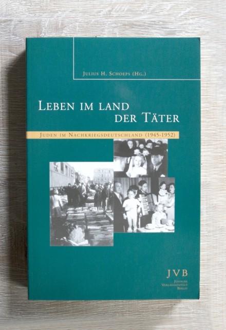 Cover: Leben im Land der Täter